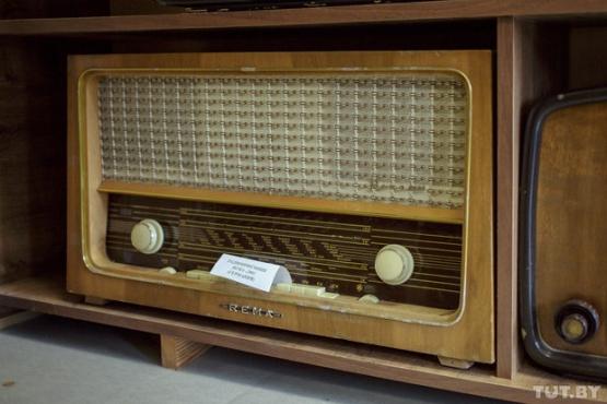К 1 октября в Беларуси полностью отключат проводное радио Читать полностью:  https://42.tut.by/505122